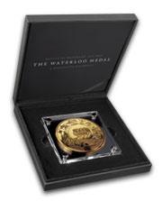 Pamětní medaile Waterloo – legenda numismatiky zušlechtěna ryzím zlatem!