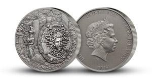 Štít bohyně Athény na stříbrné minci