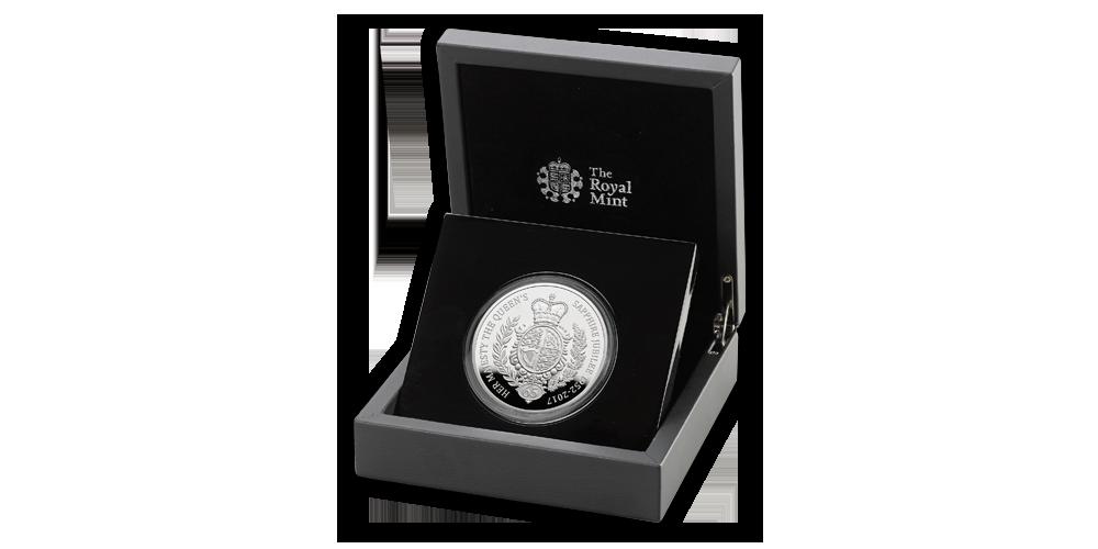 5 uncí stříbra na minci k jubileu 65 let vlády královny Alžběty II.